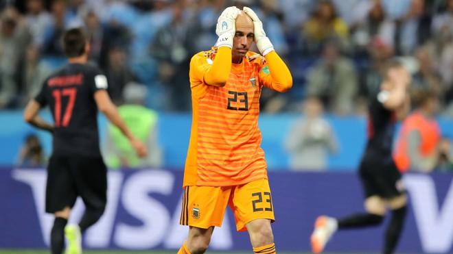 Messi hoàn toàn câm lặng, Argentina bị hủy diệt dưới tay Croatia - Ảnh 2.