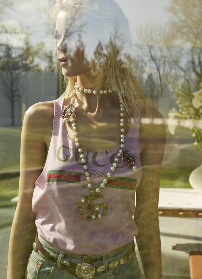 Siêu mẫu huyền thoại Claudia Schiffer trẻ trung ngỡ ngàng tuổi U50  - Ảnh 10.