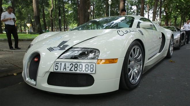 Cận cảnh chi tiết ông hoàng tốc độ Bugatti Veyron giá 50 tỷ của ông Đặng Lê Nguyên Vũ trong Hành trình từ trái tim - Ảnh 2.