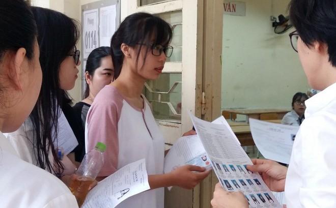 Bao nhiêu thí sinh bị đình chỉ trong ngày đầu thi THPT Quốc gia?