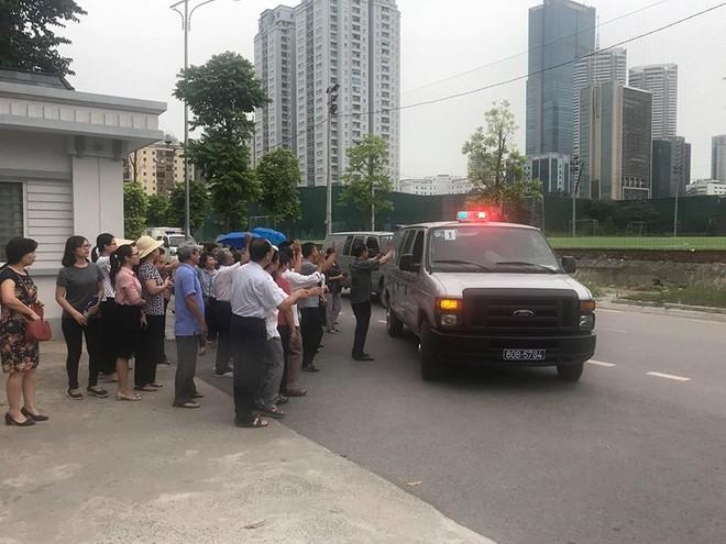 Ông Đinh La Thăng bị tuyên 18 năm tù trong vụ PVN mất 800 tỷ đồng góp vốn vào OceanBank - Ảnh 2.