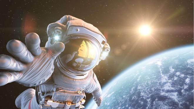 Bạn có muốn đi du lịch vũ trụ không? Theo lời phi hành gia của NASA thì chớ có dại! - Ảnh 2.