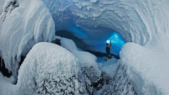 Thám hiểm hang băng ở độ cao gần 4000m: Phát hiện sinh vật lạ, khoa học chưa từng biết - Ảnh 5.