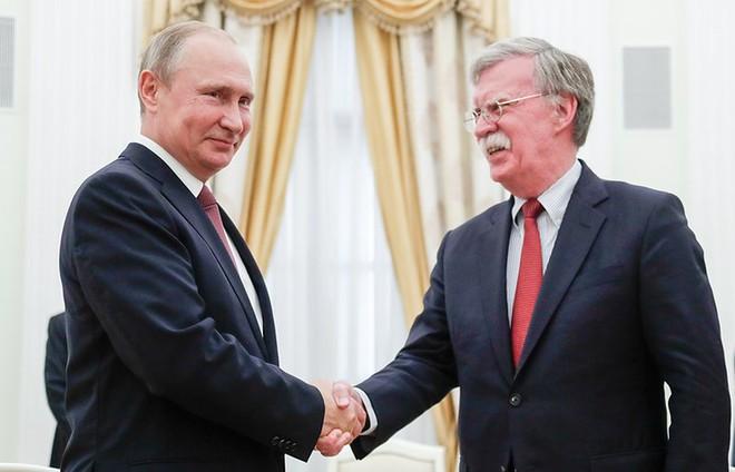 Ông Putin ngỏ ý chia sẻ với Mỹ kinh nghiệm tổ chức World Cup - Ảnh 1.