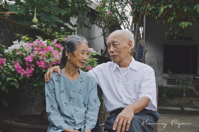 Hoá ra tuổi tác chẳng ảnh hưởng gì đến sự lãng mạn cả, ông bà ta vẫn tình như cái bình thế này mà! - Ảnh 7.