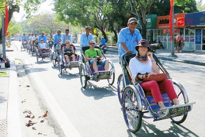 Truy tìm tài xế xích lô chặt chém Việt kiều 1,5 triệu đồng cho một giờ đi xe - Ảnh 2.