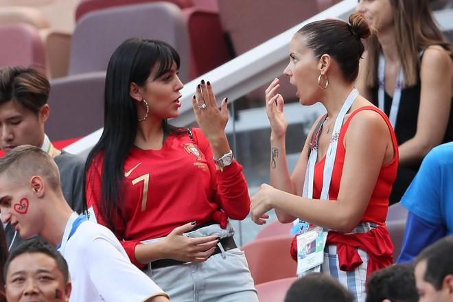 Nàng WAGs nóng bỏng hàng đầu thế giới và chuyện tình đẹp như cổ tích với Cristiano Ronaldo - Ảnh 14.