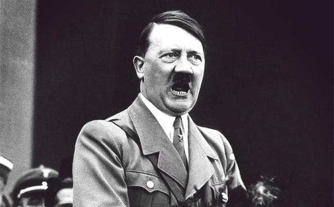 Chuyện chưa kể về hàm răng bọc vàng của Adolf Hitler và nhiệm vụ kỳ lạ nhất Thế Chiến 2