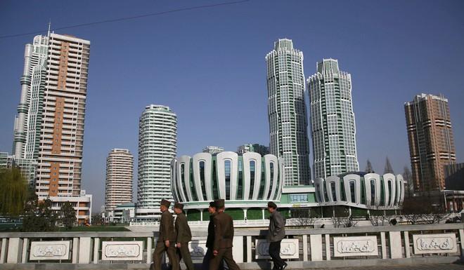 Vượt mọi cấm vận, kinh tế Triều Tiên tăng trưởng liên tục, không có nạn đói như đồn đại - Ảnh 1.