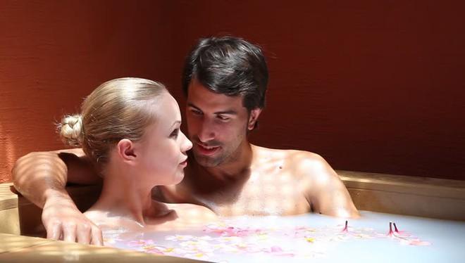6 mốc thời gian vàng tốt nhất để cải thiện chuyện ấy: Gợi ý lãng mạn dành cho các cặp đôi - Ảnh 3.