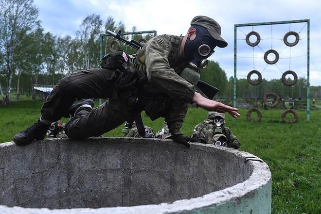 Ảnh: Trinh sát Nga đọ sức tại thao trường Koltsovo ở Novosibirsk - Ảnh 7.