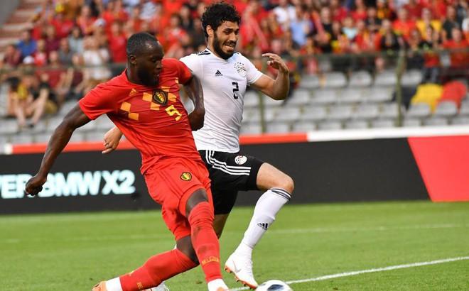 """Lukaku phá sâu kỷ lục, """"thổi bay"""" đội bóng của Salah"""