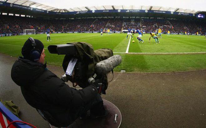 Trong khi Việt Nam thấp thỏm chờ bản quyền World Cup, người Anh cũng phát điên vì bản quyền Premier League