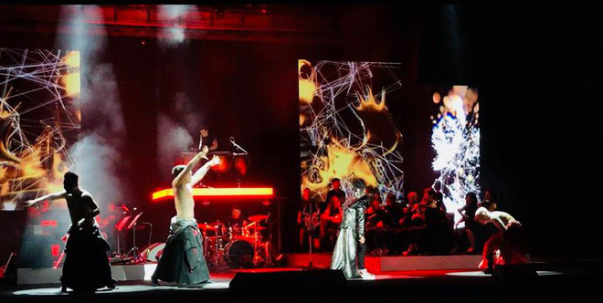 Tùng Dương nhảy tuồng, vứt bỏ cột mic, khán giả hô lớn: Tùng Dương vạn tuế - Ảnh 18.
