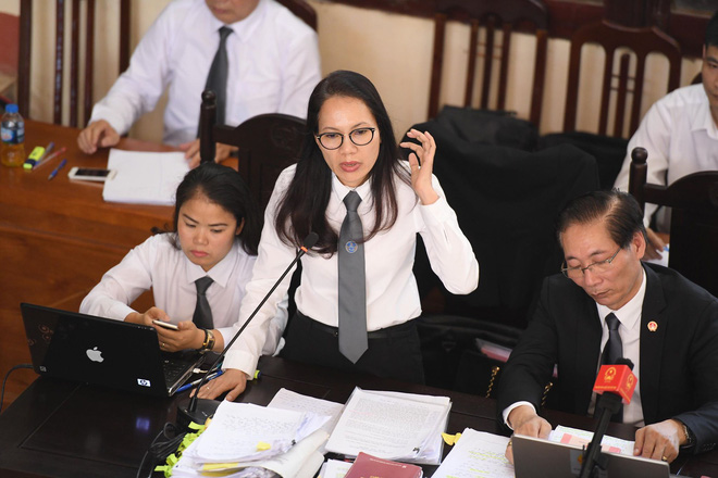 [Nóng] 2 đồng nghiệp của BS Lương mời luật sư: Văn bản nào không có luật sư tham gia tức là tôi bị ép ký! - Ảnh 2.