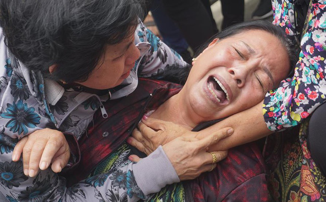 Dân Thủ Thiêm khóc ngất vì không vào được cuộc đối thoại