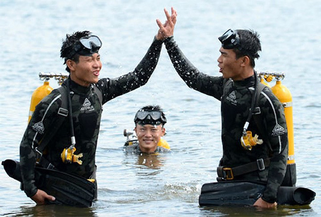 Báo Trung Quốc: Đặc công hải quân Việt Nam thật đáng gờm, từng đánh chìm cả tàu sân bay Mỹ - Ảnh 1.