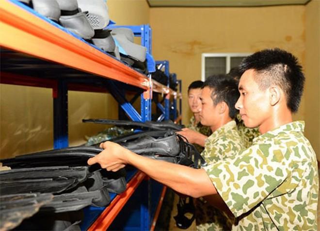 Báo Trung Quốc: Đặc công hải quân Việt Nam thật đáng gờm, từng đánh chìm cả tàu sân bay Mỹ - Ảnh 2.