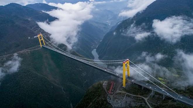 11 cây cầu treo đáng sợ nhất thế giới - Ảnh 6.
