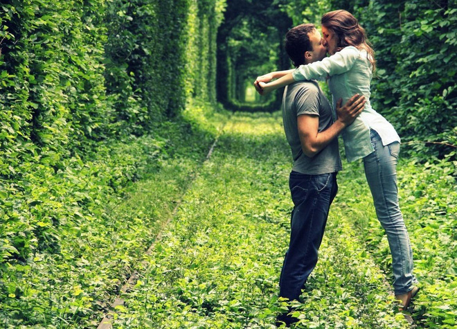 """Ghé thăm """"đường hầm tình yêu"""" đẹp ma mị ở Ukraine, nơi những cặp đôi một lần lạc bước sẽ chẳng muốn quay về - Ảnh 5."""