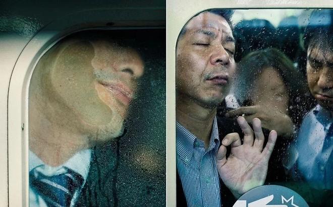 Nghề nhồi người lên tàu điện ngầm - công việc mang đậm nét văn hóa Nhật và cũng chỉ có ở Nhật - Ảnh 6.