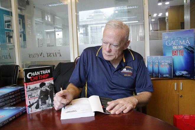 Con trai cựu Đô đốc Hải quân Mỹ: Tôi muốn người Mỹ biết rõ chuyện gì đã và đang xảy ra ở Gạc Ma - Ảnh 3.
