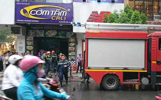 Cháy quán cơm tấm Cali giữa Sài Gòn, nhiều thực khách tháo chạy
