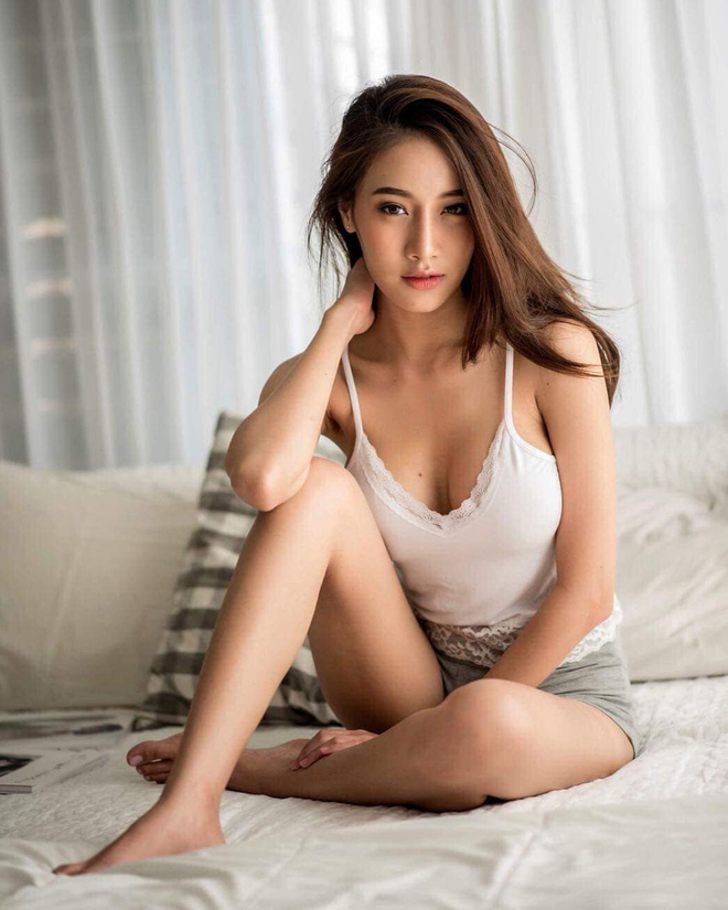 Xuất hiện trong đoạn clip ngắn 1 phút, cô gái khiến dân mạng Việt ráo riết truy tìm danh tính - Ảnh 9.