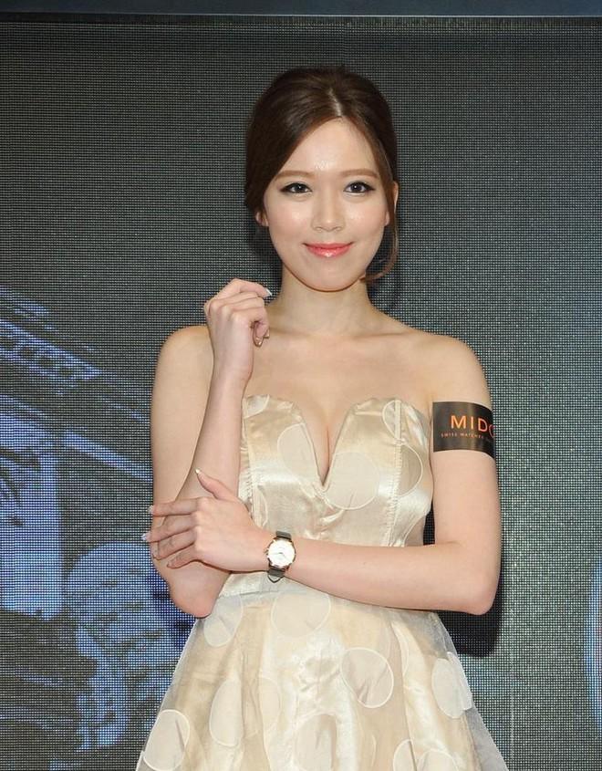 Ít ai biết Tiêu Phong võ công cái thế lại có con gái xinh đẹp, khả ái như vậy! - Ảnh 8.