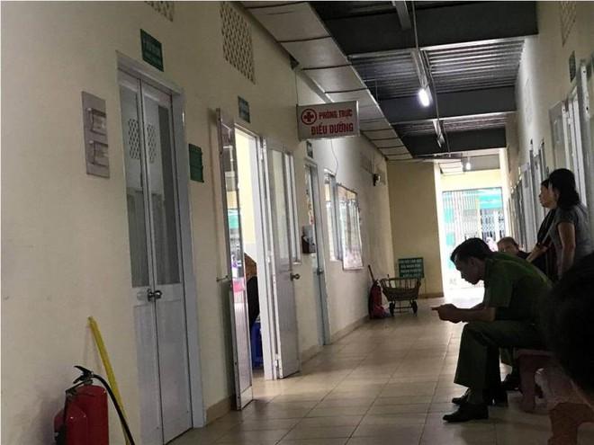 Vụ nổ súng vào người yêu cũ ở Sài Gòn: Nạn nhân nhiều lần bị dọa giết - Ảnh 1.