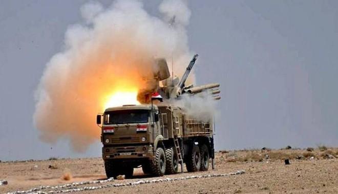 Diệt tiêm kích F-4, đập tan bầy đàn UAV, hạ tên lửa Mỹ-Anh-Pháp: Chỉ có Pantsir-S1 Nga! - Ảnh 1.