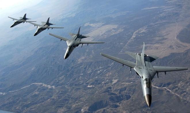 Phát bắn thần kỳ của tên lửa VN: Hạ nhục F-111 cánh cụp, cánh xòe đầu tiên trên TG - Ảnh 1.