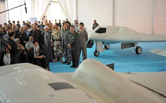Iran chế áp tóm gọn UAV tàng hình RQ-170 Mỹ: Mỏ vàng khai thác hoài chưa hết! - Ảnh 1.