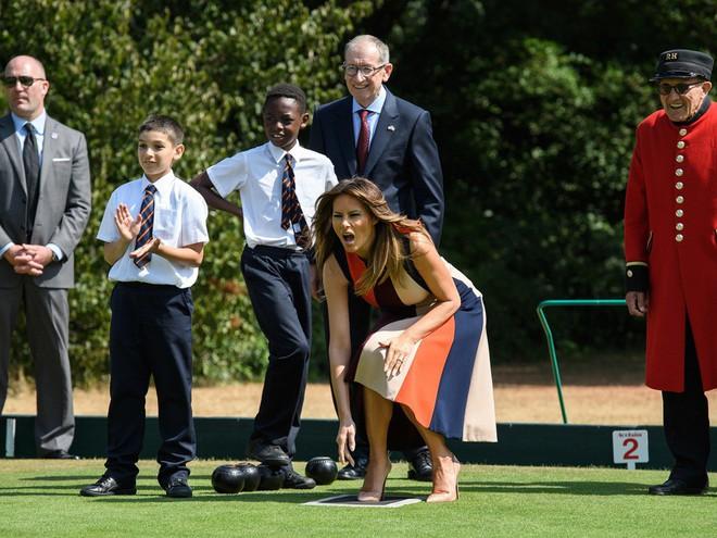 Đệ nhất phu nhân Tổng thống Mỹ lộ vẻ yêu kiều trong chuyến công du Vương quốc Anh - Ảnh 10.