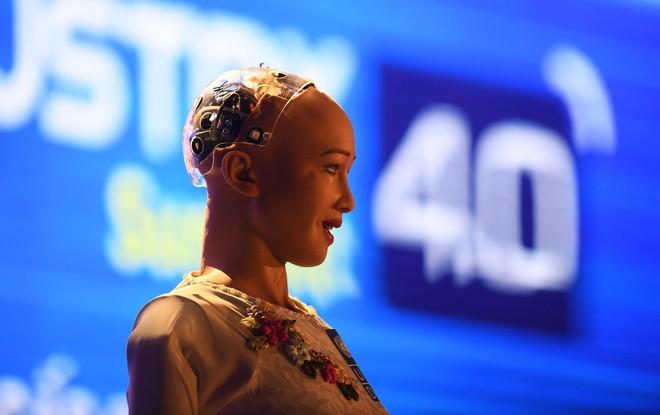 Robot Sophia mặc áo dài, trò chuyện về 4.0 ở Việt Nam - Ảnh 5.