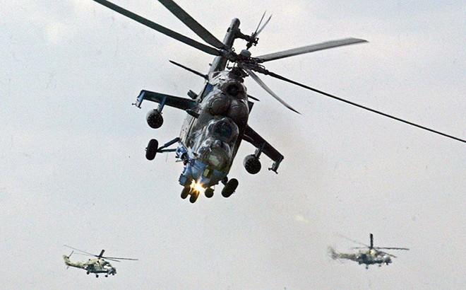 """Trực thăng nào của Nga """"chấp"""" cả Apache và UH-1 Huey Mỹ?"""