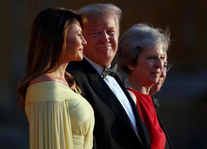 Đệ nhất phu nhân Tổng thống Mỹ lộ vẻ yêu kiều trong chuyến công du Vương quốc Anh - Ảnh 7.