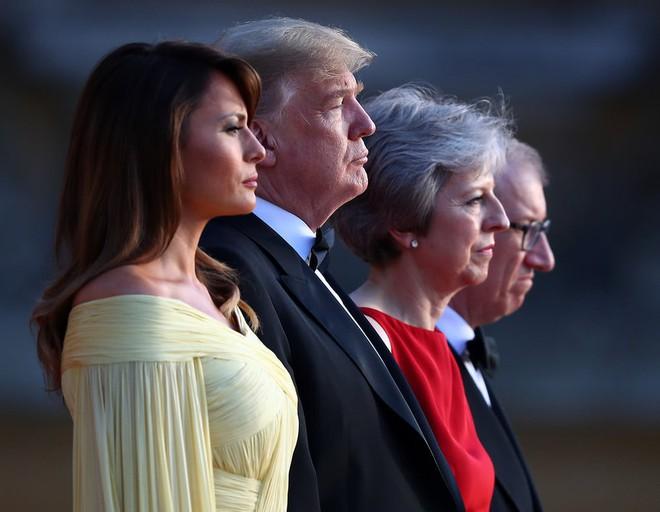 Đệ nhất phu nhân Tổng thống Mỹ lộ vẻ yêu kiều trong chuyến công du Vương quốc Anh - Ảnh 6.