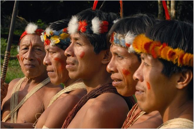 Trên Trái đất vẫn còn các bộ tộc chưa thoát khỏi kỳ đồ đá, và bạn biết họ sống thế nào không? - Ảnh 8.