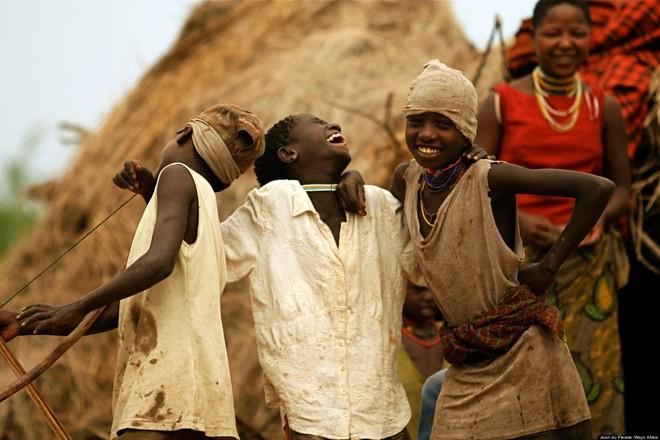 Trên Trái đất vẫn còn các bộ tộc chưa thoát khỏi kỳ đồ đá, và bạn biết họ sống thế nào không? - Ảnh 10.