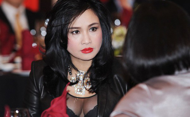 Diva Thanh Lam bị người đàn bà lạ tráo đổi khi vừa ra đời