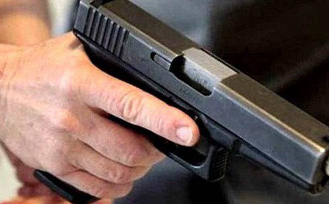 Nghi án đại úy công an bị nhóm người nổ súng vào hông rồi cướp ô tô