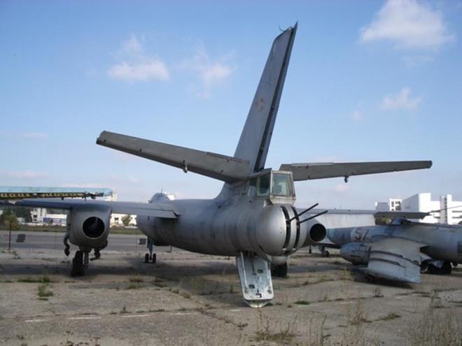 Máy bay ném bom từng sát cánh bên KQ Việt Nam - Huyền thoại bầu trời chưa bao giờ thất bại - Ảnh 3.