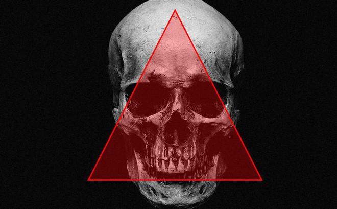 Vùng tam giác tử thần trên mặt: Nặn mụn, nhổ lông mũi có thể gây liệt cơ, thậm chí tử vong