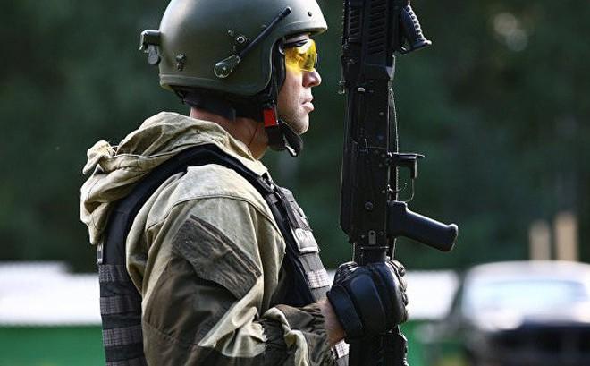 """Những vũ khí """"độc"""" của đặc nhiệm Nga: Diệt lính gác, đột nhập căn cứ địch, rút lui êm đẹp!"""