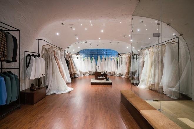 Cửa hàng váy cưới Việt được giới thiệu trên báo Tây - Ảnh 3.