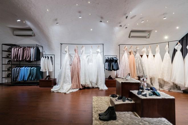 Cửa hàng váy cưới Việt được giới thiệu trên báo Tây - Ảnh 12.