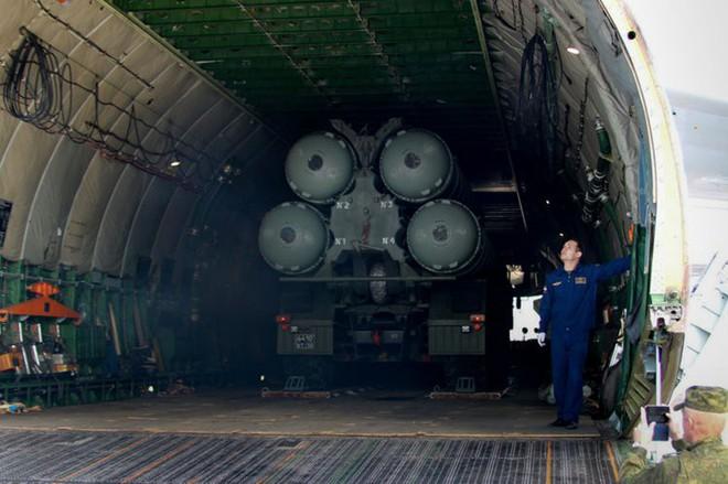 Hệ thống phòng thủ S-400 Nga: Chưa bắn một phát đạn, cả thế giới đã khuynh đảo! - Ảnh 2.