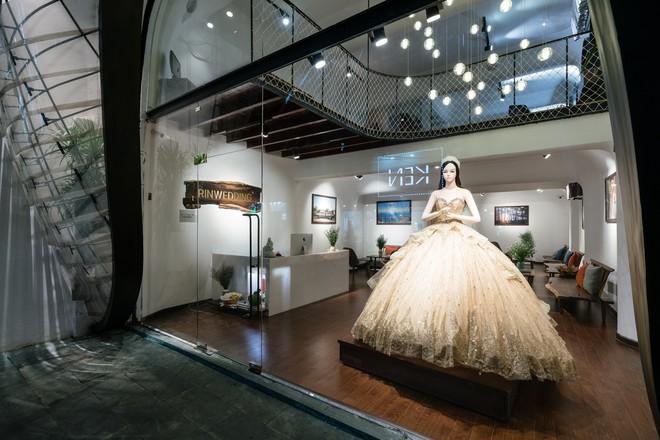 Cửa hàng váy cưới Việt được giới thiệu trên báo Tây - Ảnh 8.