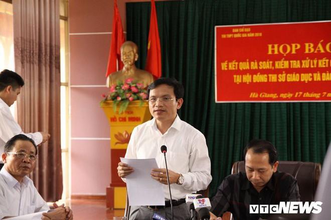 Họp báo vụ can thiệp điểm: Phó phòng Khảo thí Sở GD&ĐT Hà Giang sửa điểm thi - Ảnh 1.